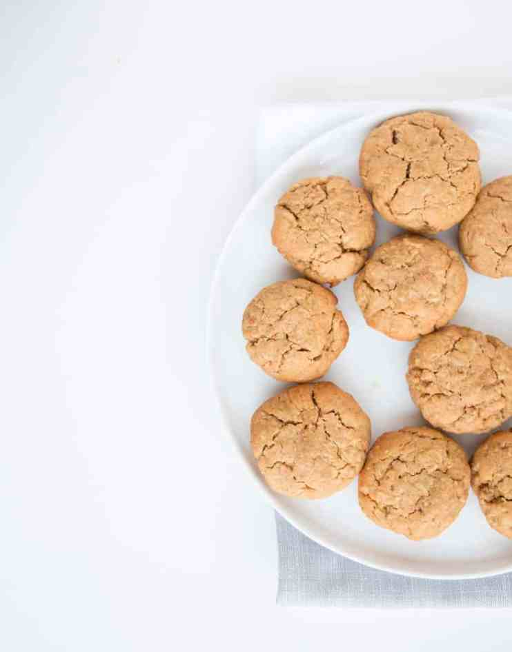 Chewy sugar-free peanut butter Oat Cookies