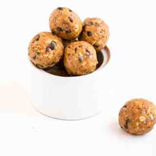 Peanut Butter Choc Chip Energy Balls