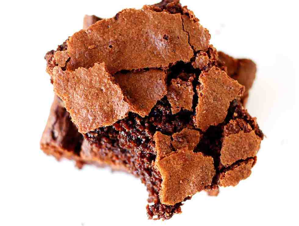 The Ultimate Brownie Recipe is the only brownie recipe you will ever need. The brownies are thick, chewy and super chocolatey. Made with unrefined sugars from Natura Sugars.