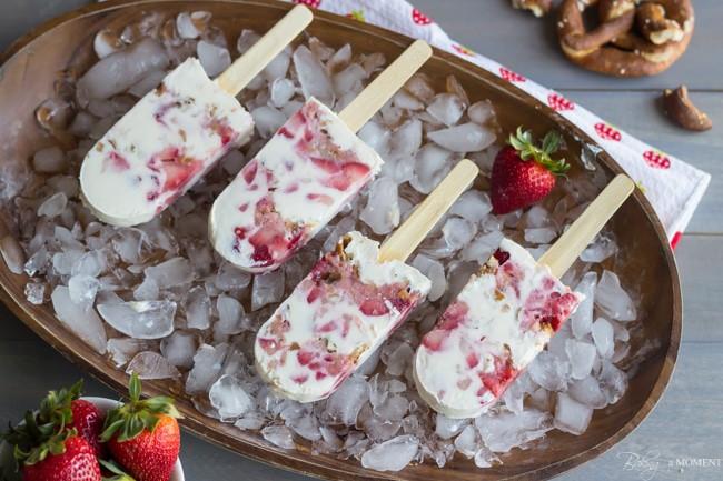 Strawberry Pretzel Pops | Baking a Moment