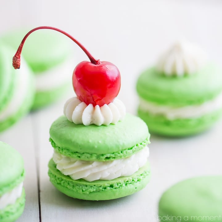 Célèbre Shamrock Shake Macarons - Baking A Moment SB94