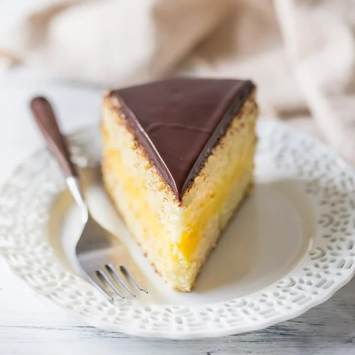 Moist Pineapple Upside Down Cake Recipe