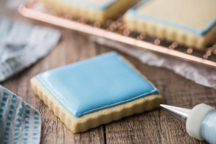 Smooth Royal Icing Recipe for Flooding