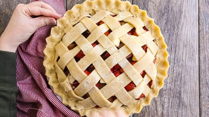 How to Make Lattice Pie Crust Step-by-Step