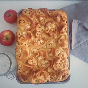 Cinnamon Rolls mit Äpfeln