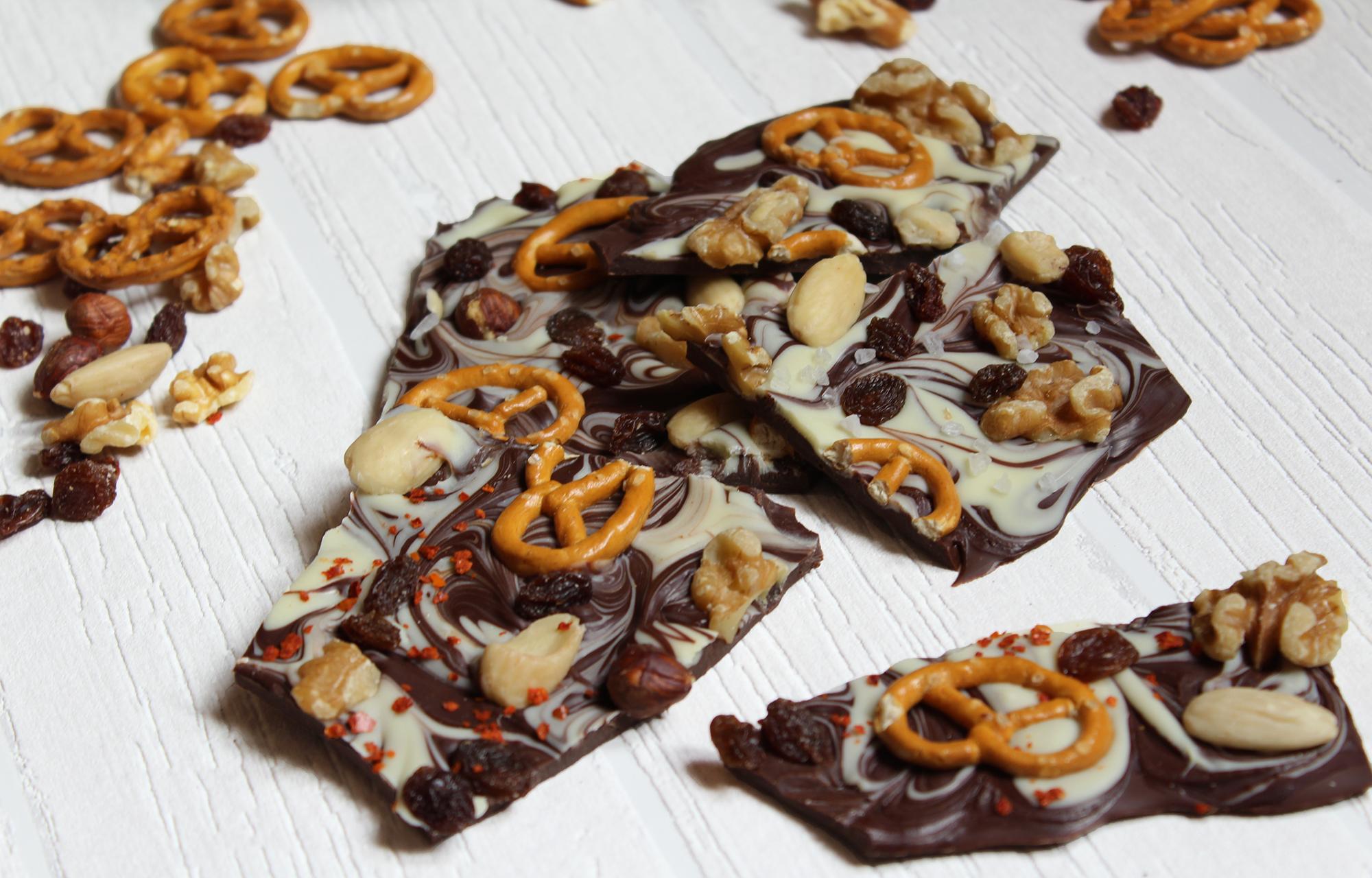 Bruch-Schokolade selber machen – Süße Geschenkidee zu Weihnachten