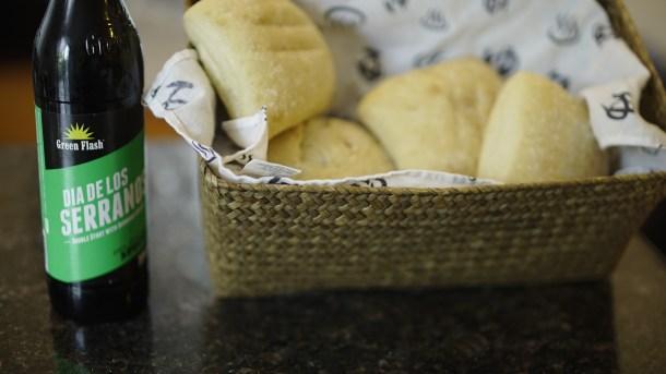 dia de los serranos burgers bread
