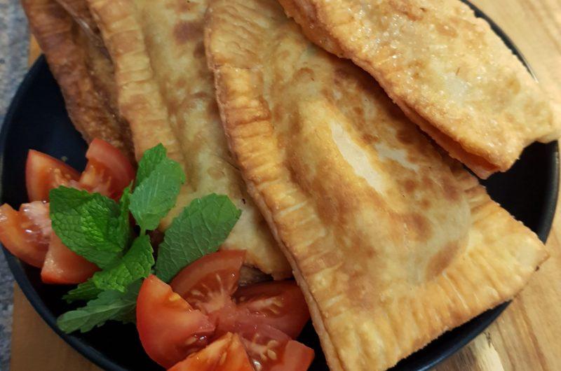 Brazilian Pastesis with pork (Pastel Frito de Frango)1