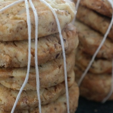 walnut and rosemary biscuits