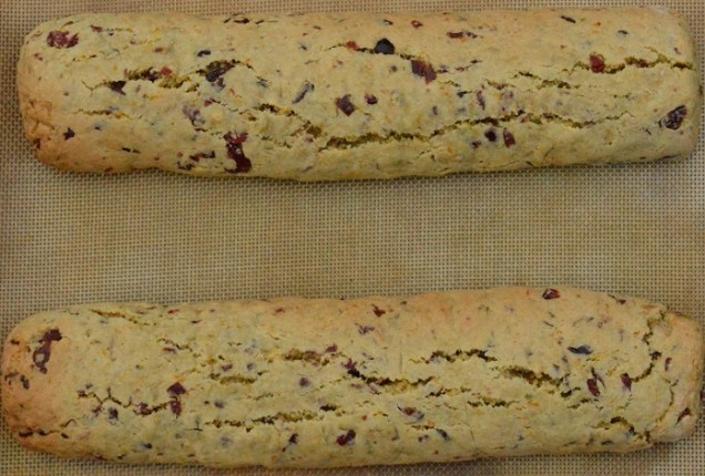 biscotti: first bake done; now ready to slice
