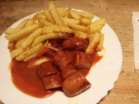 Curry sausage & Fries
