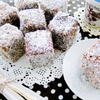 lamington ~ highly recommended 林明顿蛋糕~强推