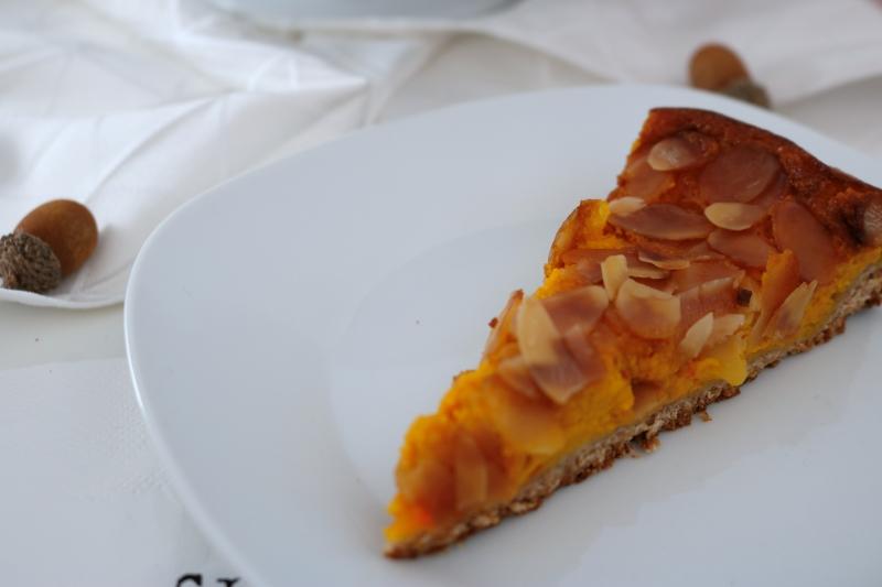 Vollkorn-Kürbis Kuchen mit Mandelkruste (5)_lzn