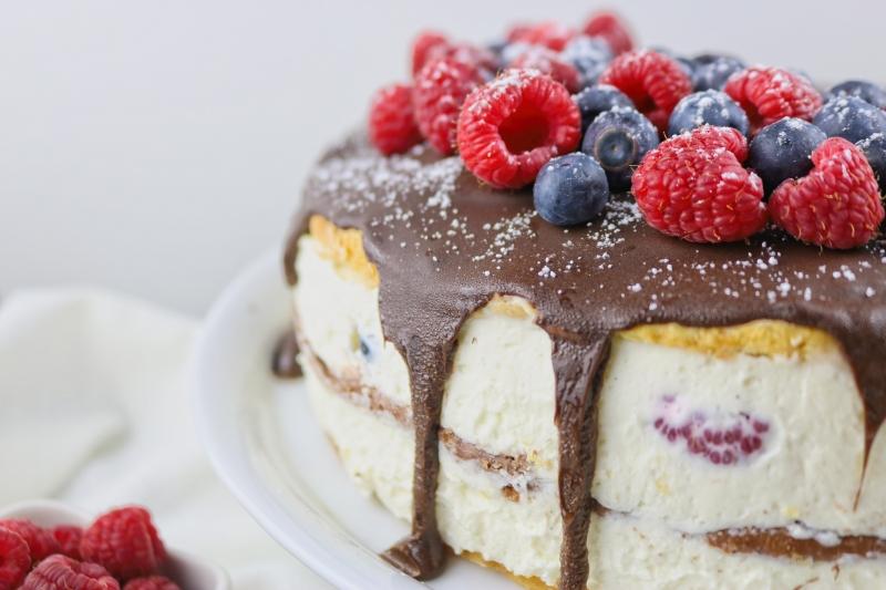 Schokoladen-Beerentorte - BAKINGLIFESTORIES.COM
