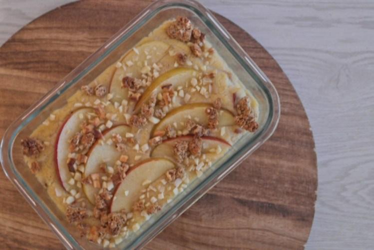 Porridge mal anders: Frühstückspolenta mit Apfel