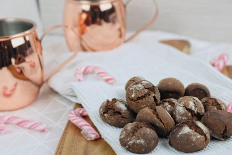 Weihnachtsbäckerei: Chocolate Coffee Cookies mit Schneehaube