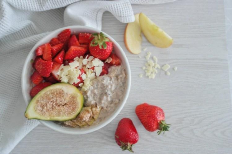 White Chocolate Porridge mit Feigen