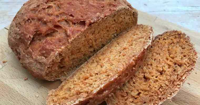 Slow Cooker Tomato Paprika Bread