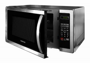 1000-watt microwave with half opened door