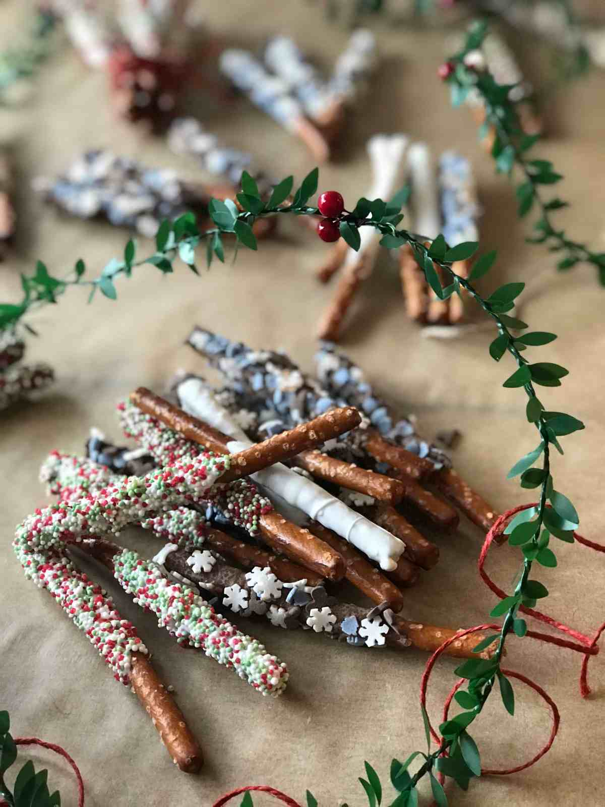 Edible Christmas Gifts: Candy Pretzel Rods