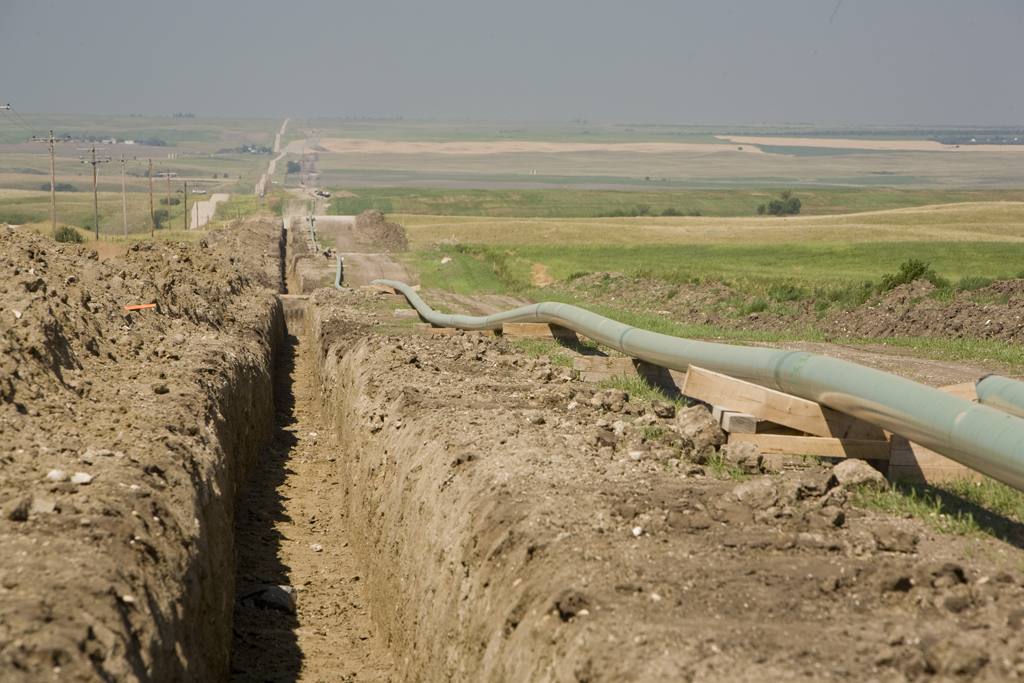 Pipeline construction west of Beaver Lodge Pump Station. Photo courtesy: Enbridge North Dakota.