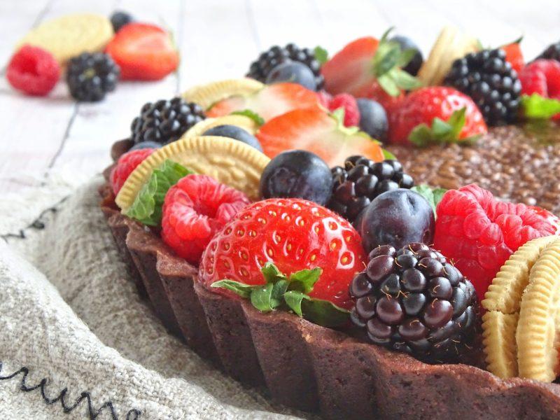 Chocolademousse taart met rood fruit
