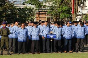 Peserta upacara dari Fakultas Ilmu Pendidikan (FIP)
