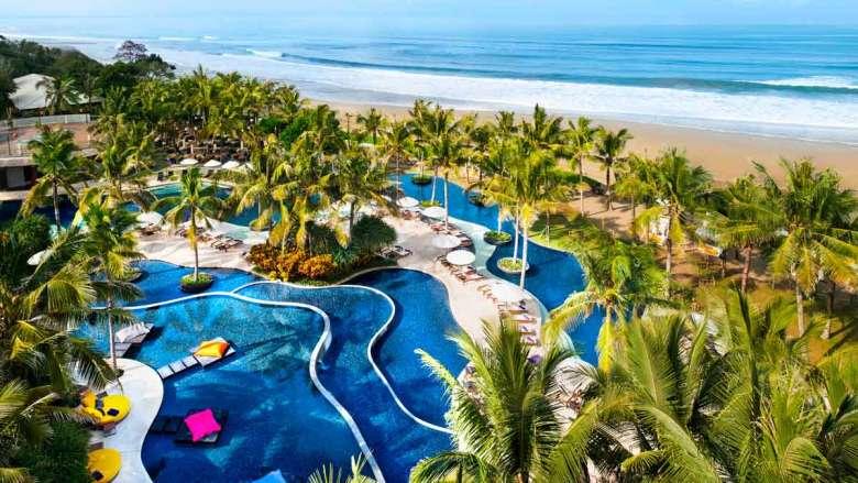 Kolam renang W Bali Seminyak