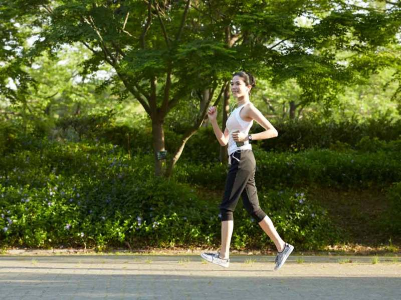 jogging sebagai aktivitas menjaga sistem gerak