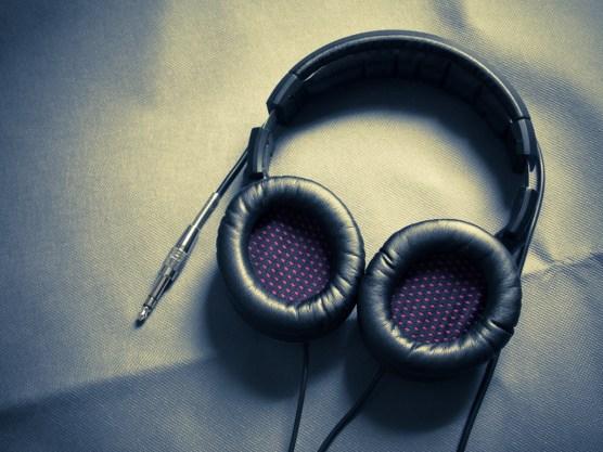 Somic MH463 or Lasmex H-75 Pro 50mm driver headphone