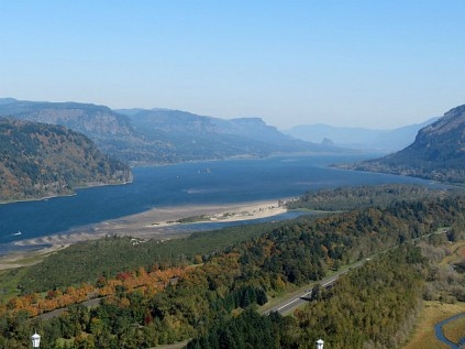 10.1381777917.view-east-with-beacon-rock-in-the-background
