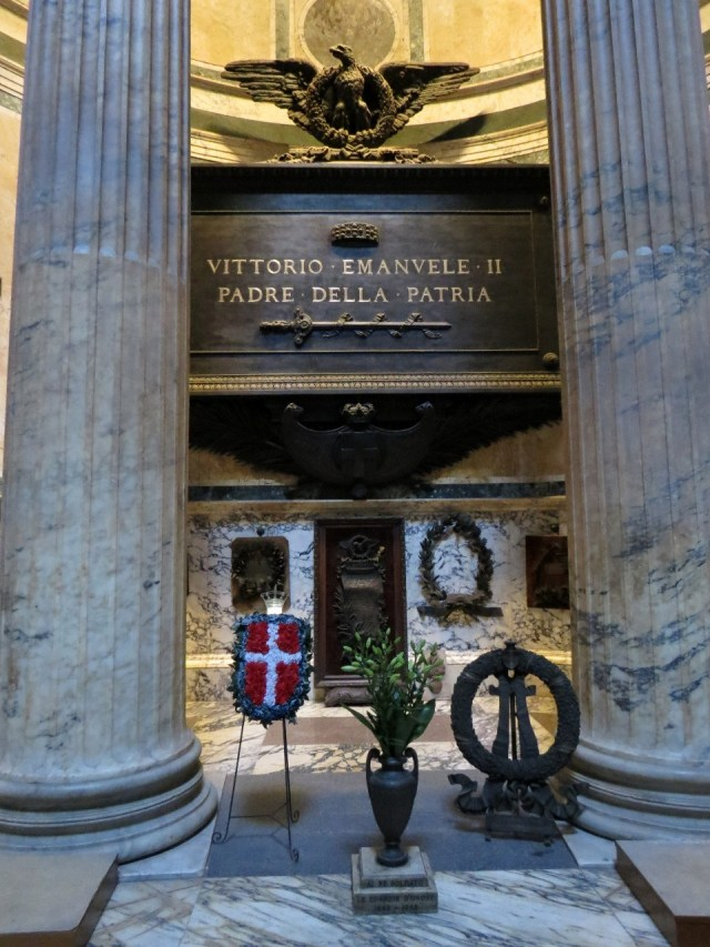 15.1442846001.vittorio-emanuele-ii-tomb