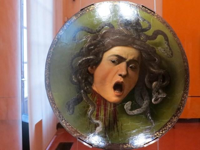 Uffizi - Testa di Medusa (Caravaggio, 1597) - parade shield