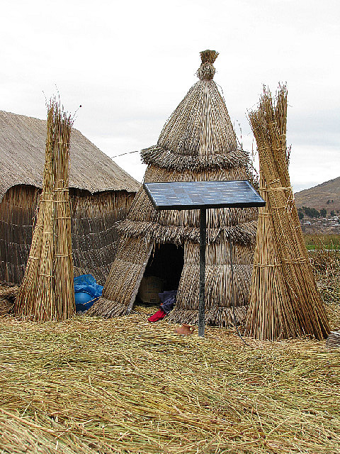 4.1339777372.huts-and-solar-panels-can-coexist