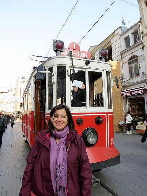 7.1357238401.old-tram-along-istiklal-avenue