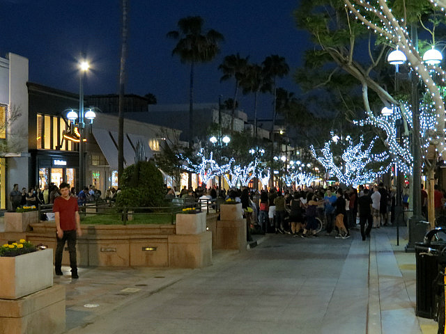 8.1368362768.third-street-promenade