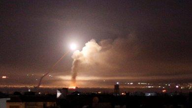 صورة طائرات الاحتلال تقصف مدرسة بريف القنيطرة في سوريا