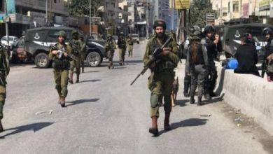 صورة 4 إصابات بينها 3 خطيرة برصاص الاحتلال خلال اقتحام مخيم قلنديا