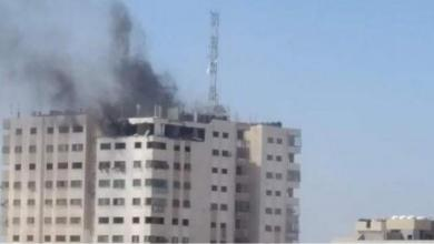 """صورة طائرات الاحتلال تقصف برج الأندلس في منطقة """"الكرامة"""" شمال قطاع غزّة"""