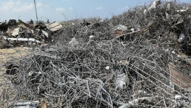 صورة الاشغال في غزة تحذر من استخدام الحديد المستخرج من أنقاض المباني المدمرة