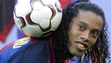 صورة رونالدينيو: لم أتخيل رحيل ميسي عن برشلونة