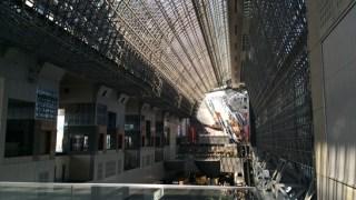 京都駅ビルは小さい子供と楽しめる穴場スポットです。