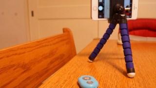 iPhoneで自分撮りするなら。Bluetooth Remote Shutterがオススメ。