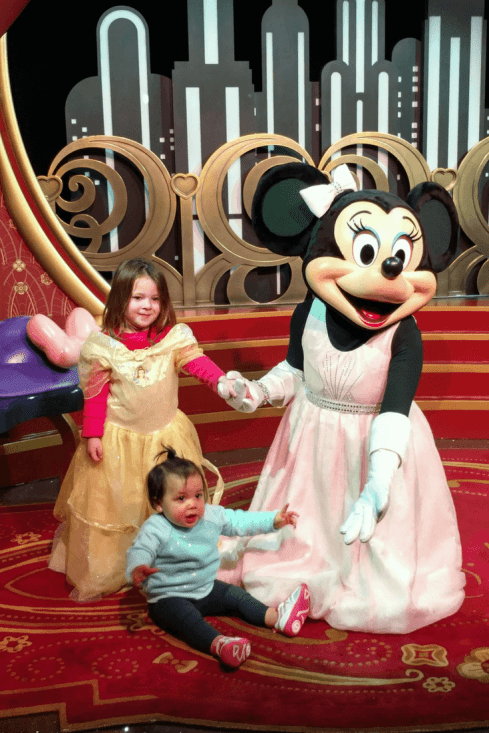 make memories at disney with minnie