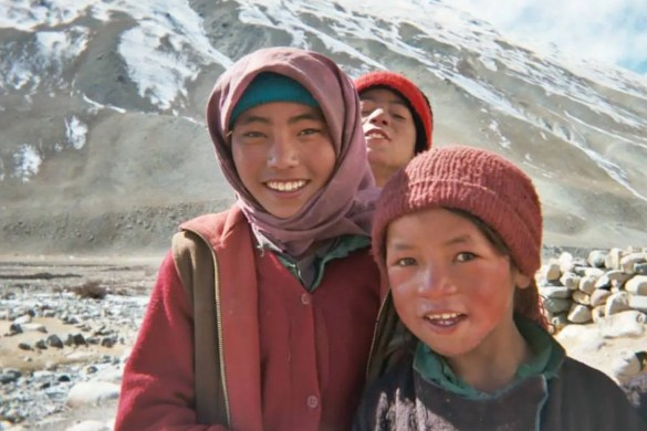 The 5 Best Buddhist Documentaries: 3 children are shown from the widely acclaimed Journey from Zanskar.
