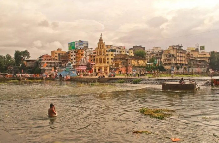 An image is shown of the Godavari River which originates in a sacred city of India called Trimbak.