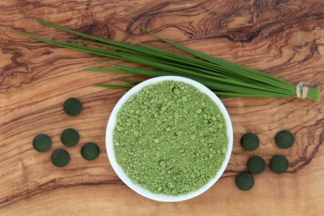 wheatgrass-benefits-for-skin-and-hair
