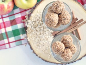 cinnamon-apple-energy-bites