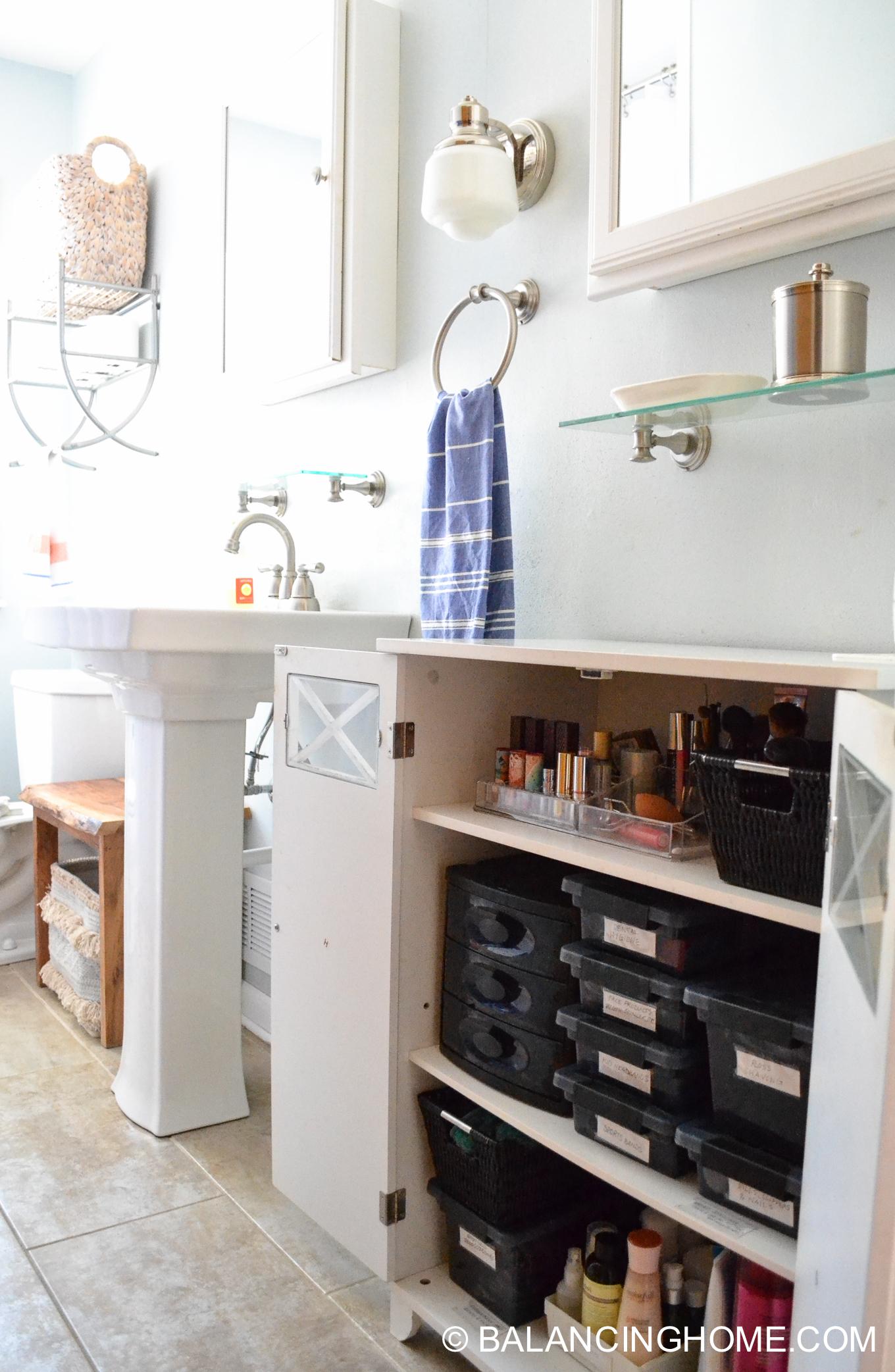small bathroom ideas clever organizing