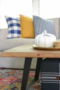 Living Room Decorating Ideas For Fall - Balancing Home